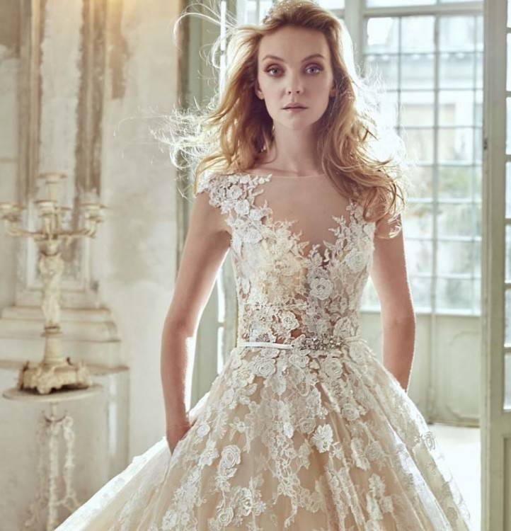 Every bride is meticulously fitted and styled by Ester, who creates a  professional yet warm relationship with her client and maintains it up  until the