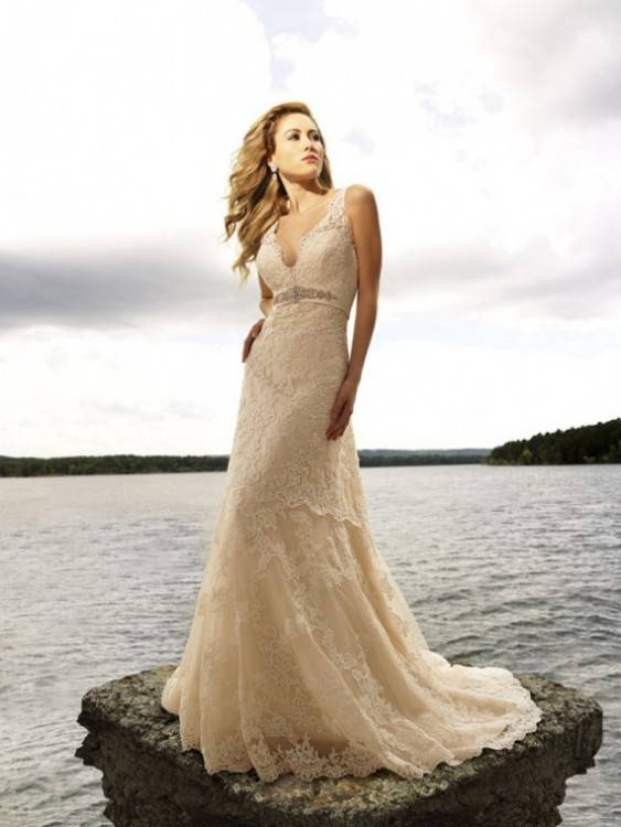 If a destination wedding is in the cards for you, here are some expert tips  from the Best for Bride team on the factors to consider when shopping for  your