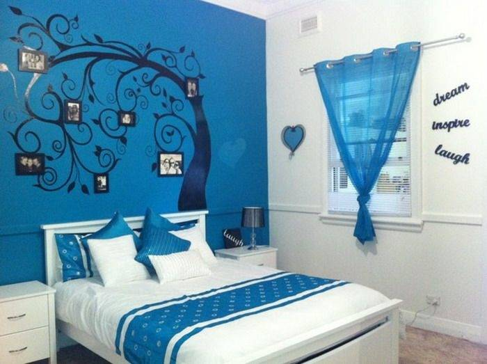 A fresh and clean combination of light blue and white gives a cozy look to  the bedroom