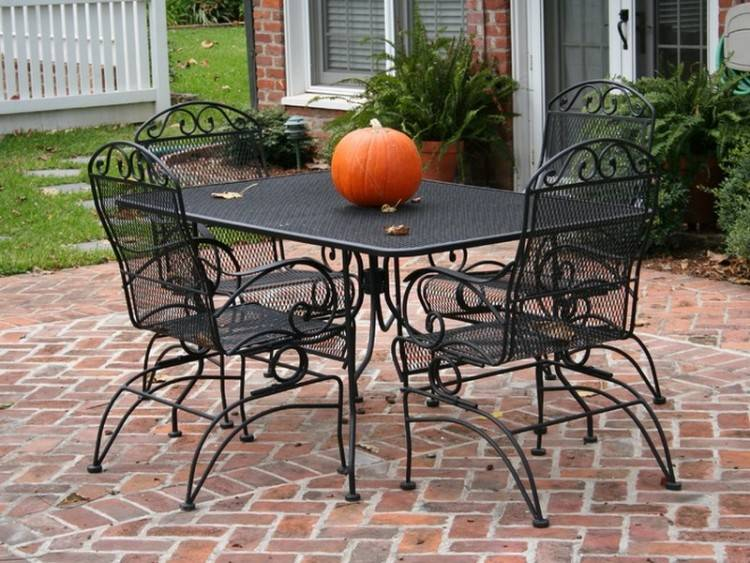 Crate & Barrel Cafe Table with
