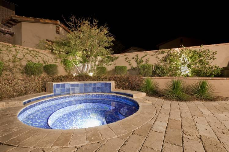 Pool design with fire feature