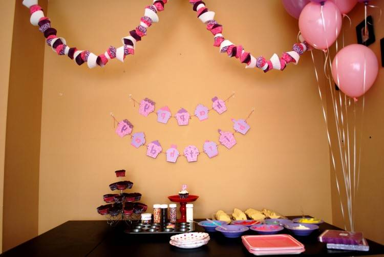 simple  party theme
