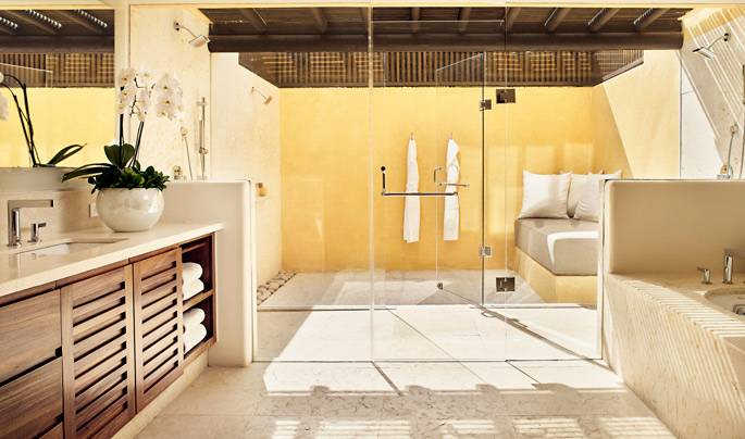 At Dreams Riviera Cancun the spa's outdoor hydrotherapy circuit features a  variety of showers and cascades, a cold plunge and Jacuzzi