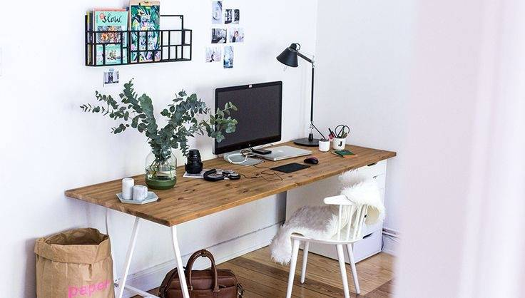 a guest room that doubles as a home office