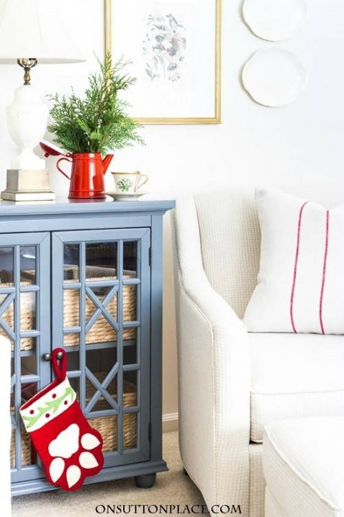 A Christmas Home Tour OVERFLOWING with easy and beautiful ideas for holiday  decorations