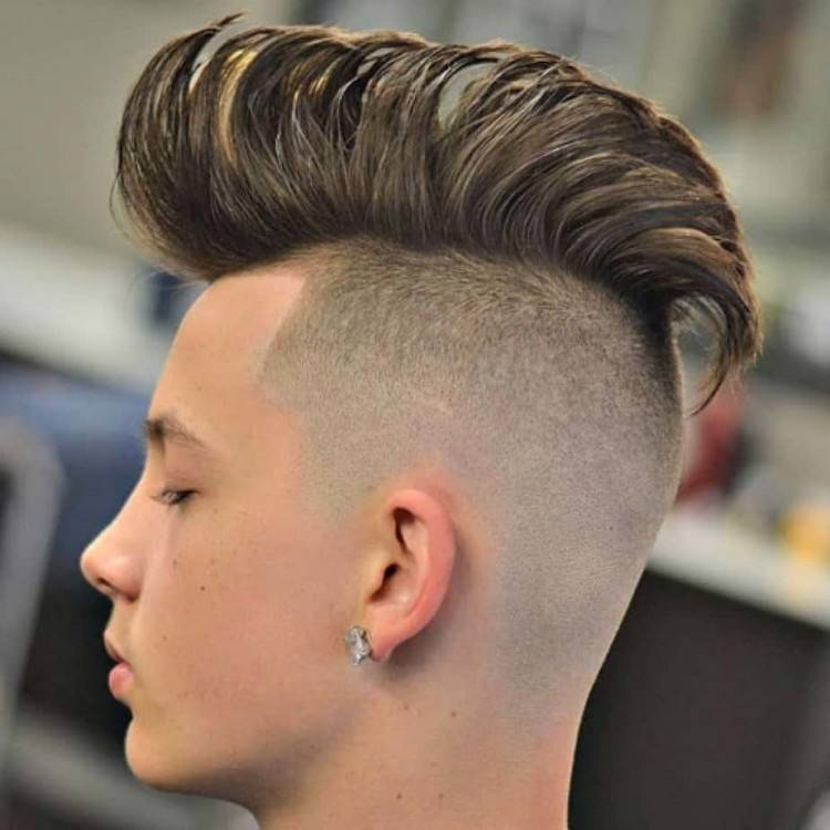 Save this to get creative hair inspo on the latest 'do trend, an undercut  tattoo