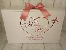 We have Tiara and Shoe bags available so these items can be packed with the  dress too