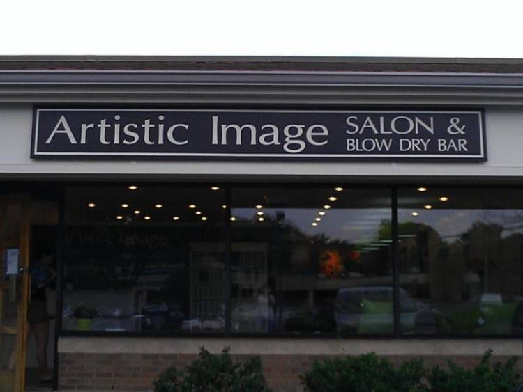 Photo taken at Artistic Image Salon & Blow Dry Bar by Artistic  Image