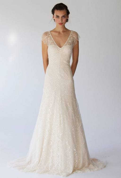 Elizabeth had a simple  lace wedding dress, and although it was simple it was stunning
