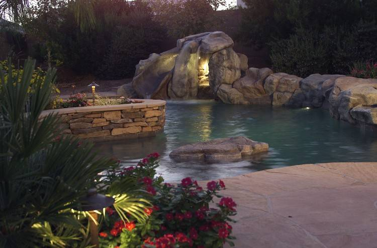 Water Features / Ponds & Fountains