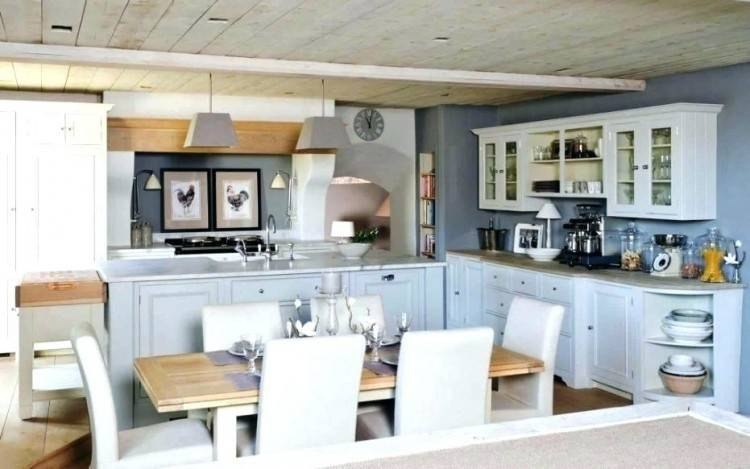 Amazing kitchen wallpaper wall color ideas with cream cabinets