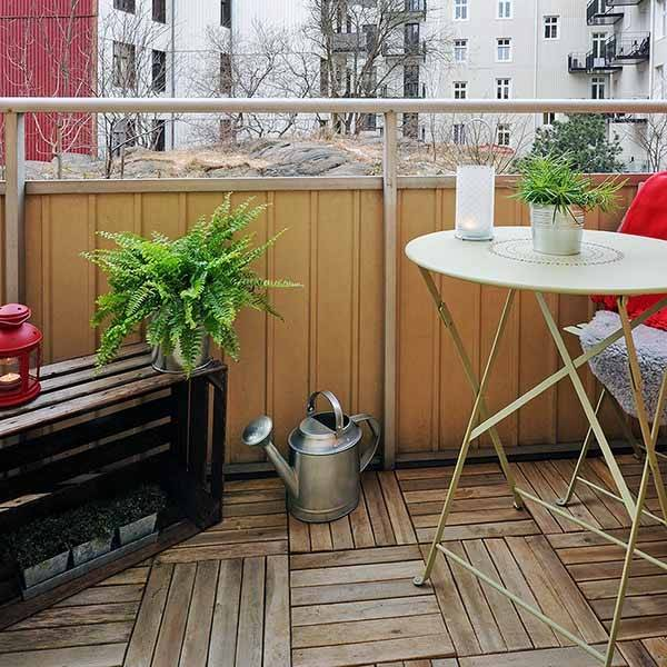 She has some terrific outdoor decorating  ideas