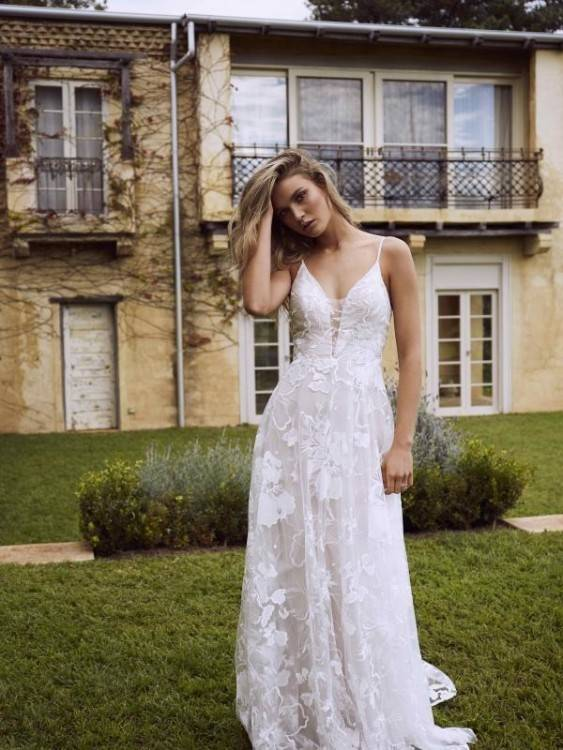 Ivory Lace Mermaid Wedding Dresses Short Sleeves V Neck Western Country Wedding  Dress With Sexy Open Back Cheap Garden Bridal Gowns On Sale Maternity.