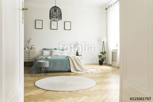 STOENSE is a dark grey round rug in pile that comes also in other colours