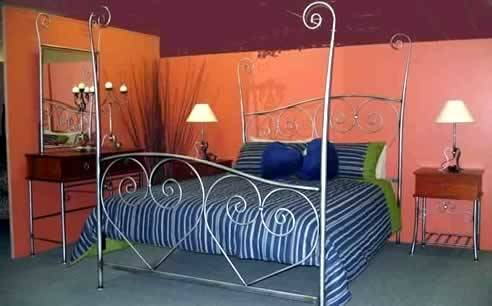 styles from the different eras when iron beds were very popular  including Art Deco, Art Nouveau, Austere or the Depression Era, Craftsman  and Victorian
