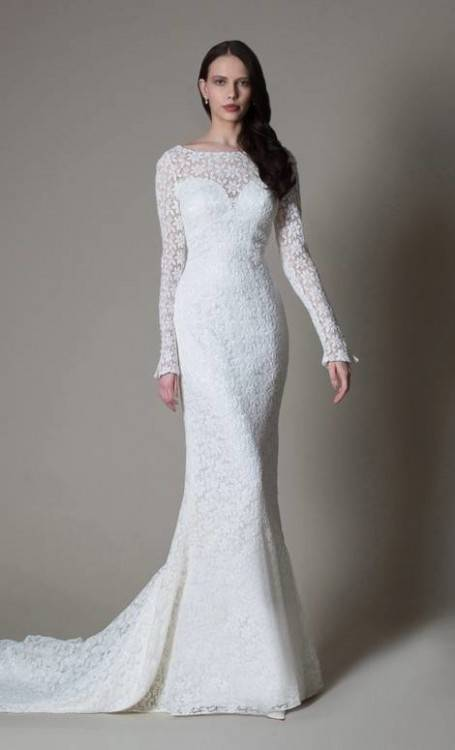 Personally, I'm in love with the delicate details of this dress, especially  the light sleeves that top the shoulders