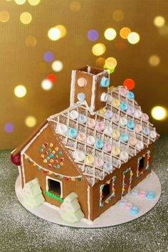 Cute Gingerbread House Decorating Ideas and Inspiration