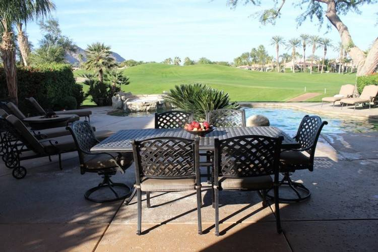 2 Outdoor Patio Chairs