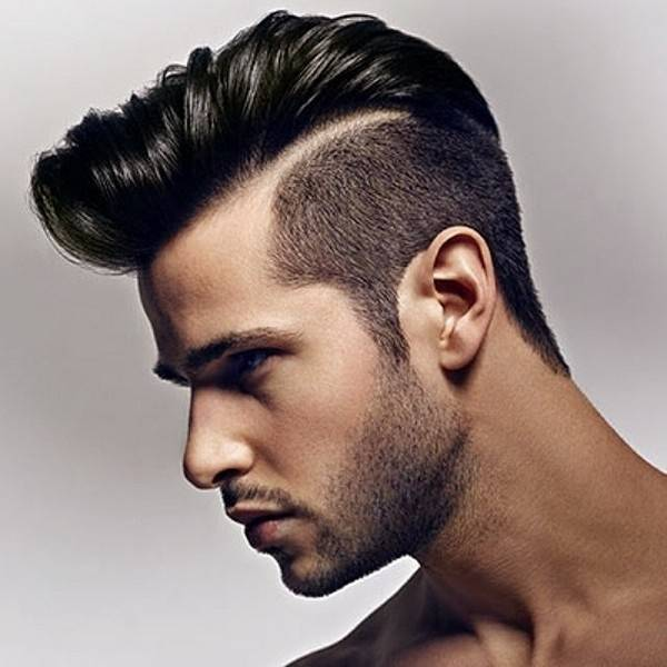 The subtle slant gives  you a perfect edge for haircut design line which runs from the front to the  upper