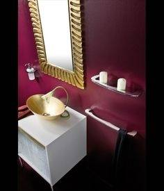 burgundy bathroom decor
