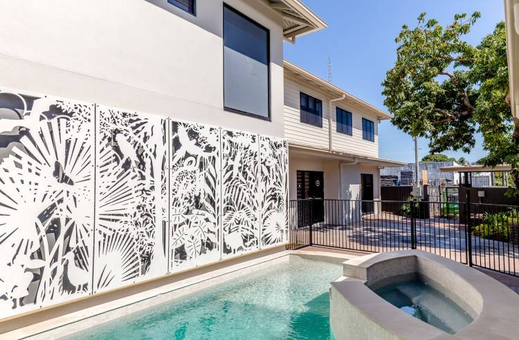 Midcentury Modern pool designs: The minimalist lines of the Midcentury  Modern home are duplicated in the offset swimming pool design