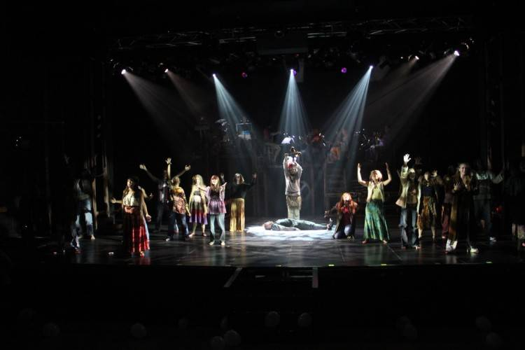 Leading Belgian design practice Painting with Light has supplied lighting  and video design for the current Stage Entertainment tour of cult 1970s  musical '
