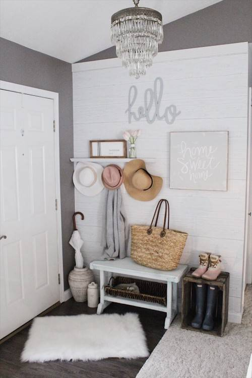Small entryway ideas for foyer or apartment