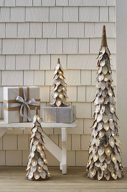 Tips and tricks for decorating a  beautiful tree