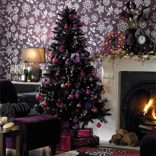Best ideas for decorating a black Christmas tree this holiday season
