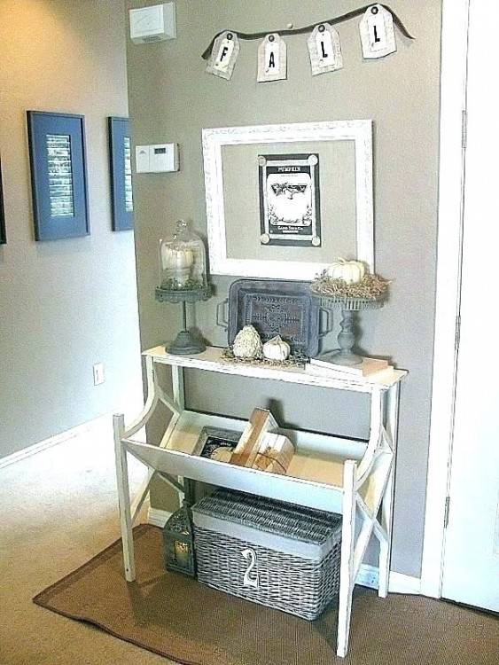 small entryway decor